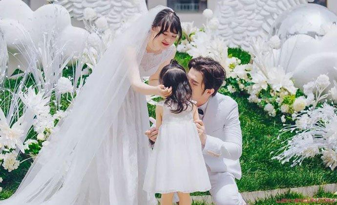 黄璐范玮与女儿