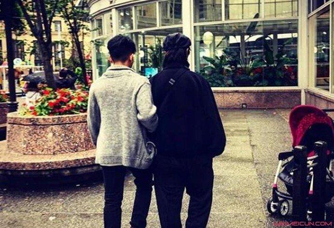 陈坤和儿子背影照