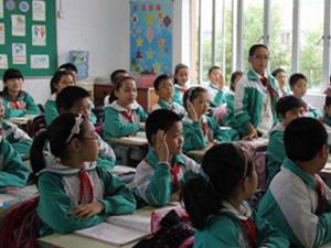 小学生给教材挑刺 如今的小学生实在太聪明太厉害了