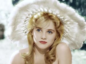 洛丽塔女演员去世 苏·莱恩死因是什么年轻