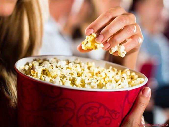 减肥期间晚上可以吃爆米花吗