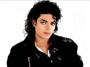 迈克尔杰克逊为什么整容?