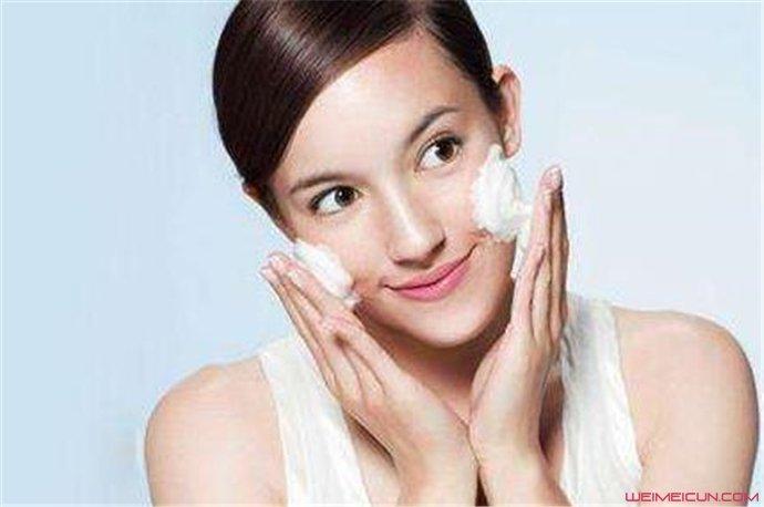 早上怎么洗脸对皮肤好