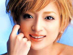 滨崎步宣布生子 孩子爸爸成迷起底滨崎步丰富婚恋史