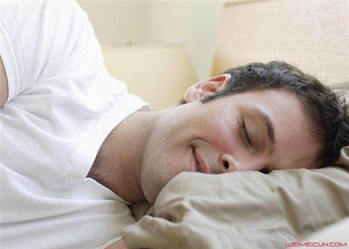 睡觉磨牙是什么原因