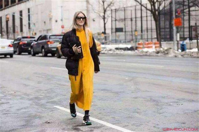 长款羽绒服搭配什么样的鞋子