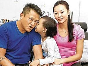 张利华魏骏杰离婚了吗 相差20岁的老夫少妻