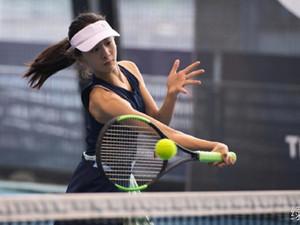森蝶手臂线条 打网球获大满贯得主亲自指导