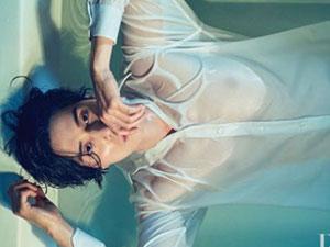 李栋旭浴缸照曝光 白衬衫湿身透视尽显性感身材要舔屏了
