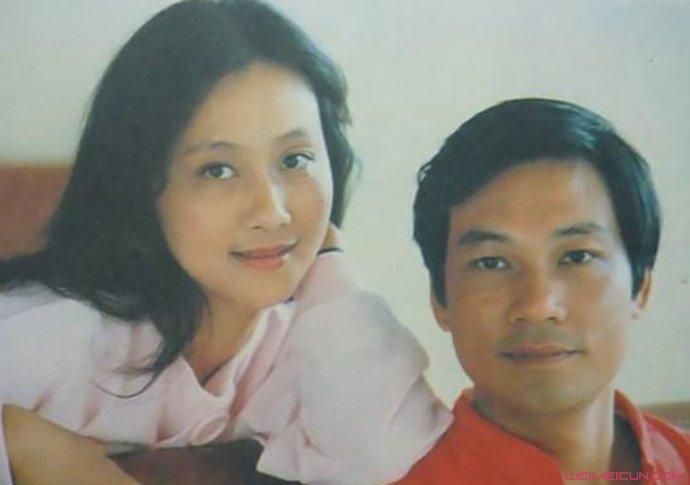 黄梅莹和金鑫年轻时照片