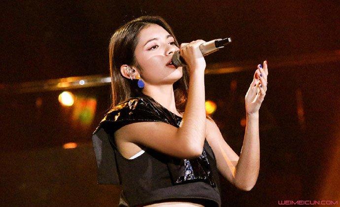 歌手李佩玲