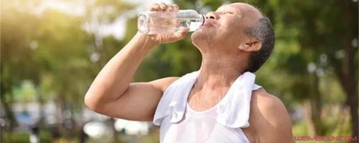 睡觉前为什么不能喝水