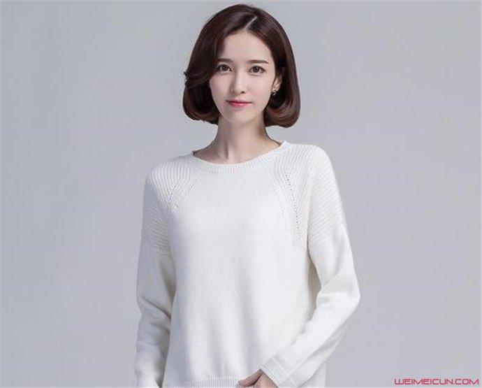 短款毛衣搭配什么好看