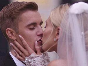 比伯海莉婚礼视频 两人高甜亲吻画面定格婚