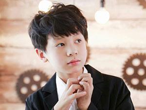 彭艺博个人资料 5岁出道自称杨志刚是其亲爹