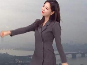 金可英怎么火了 曝韩国气象主播个人资料以