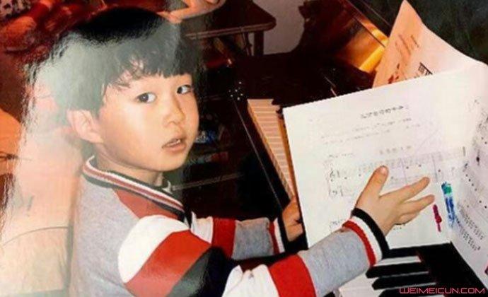 范丞丞学钢琴