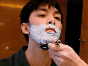吴磊在线刮胡子 充满着成熟的魅力女友视角