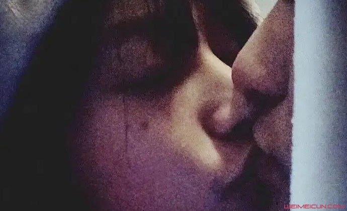 疑星野段小薇接吻照
