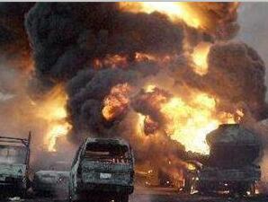 为什么发生车祸汽车会着火爆炸?