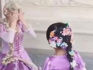 妈妈为女儿手工还原艾莎战袍 揭具体详情女儿穿上太美了