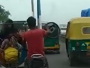 印度男子发明摩天轮摩托 详情曝光网友指出安全隐患