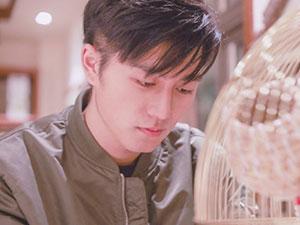 少年之名杨悦个人资料 播音腔在读硕士小哥