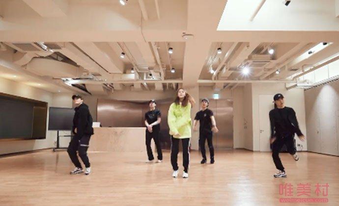 林允儿跳男团舞