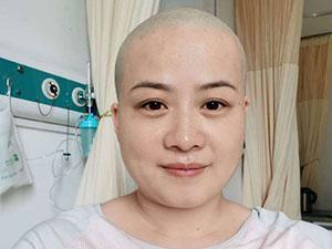 岳云鹏老婆回应生病剃光头 半年两次剃光头