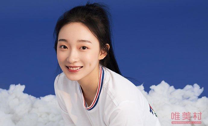 演员李盈盈照片