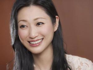坛蜜聊婚姻观说了什么 日本性感女星坛蜜的