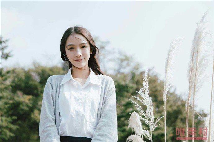 张南怎么签约的 一起来扒一扒她的出道历程及配景(原创)