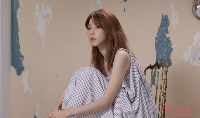 黄明昊新歌18MV女主是谁