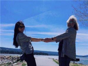 张纪中承认再婚 69岁再当爸