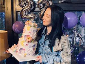 孟美岐发文为自己庆生 想不到她才22岁