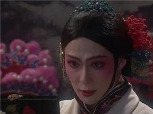 张铭恩鬓边不是海棠红扮相辣眼睛 被吐槽是