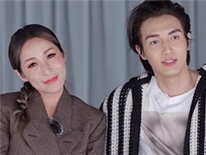 萧亚轩携小男友黄皓参录女儿们的恋爱 二人