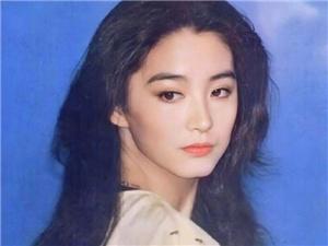林青霞被自己美到睡不着 边聊天边网上发图太逗了