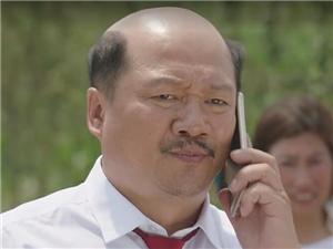 谢广坤扮演者唐鉴军真是秃头吗 他老婆竟然
