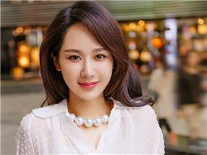 杨紫张艺兴被爆恋爱中 双方团队先后辟谣艺