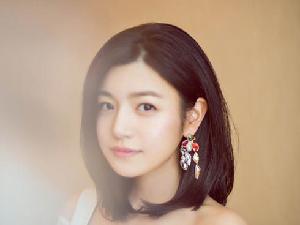 陈妍希空降粉丝群让粉丝捞她一下 怕被误会