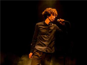 歌手庞麦郎被强制送精神病院 经纪人证实其