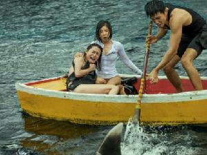 赵奕欢电影巨鲨上映 却遭网友吐槽只能靠露