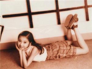 景甜童年照曝光 大甜甜从小就是明艳型美女