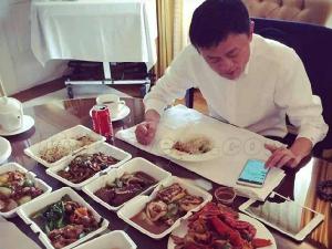马云一顿饭吃十几个菜被骂铺张浪费 真相曝