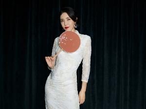 曾黎白色旗袍写真大片曝光 绝美气质太惊艳