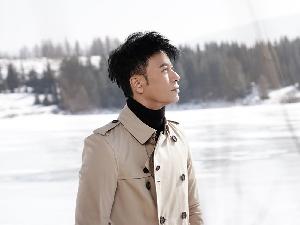李克勤受邀将担任中国好声音导师 经纪公司