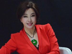 刘晓庆一人分饰七角 这个电视剧太神奇了