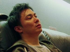 铃木达央曾自杀未遂 此前被拍出轨工作人员