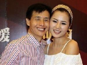 邓建国迎娶18岁干女儿黄梓琪 最后却闪离收
